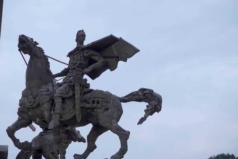 Bulgaria - Veliko Tarnovo - Asens Monument