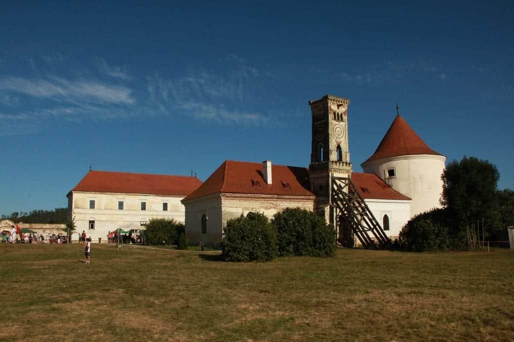 Romania - Bonțida Bánffy Castle - Wikimedia Commons