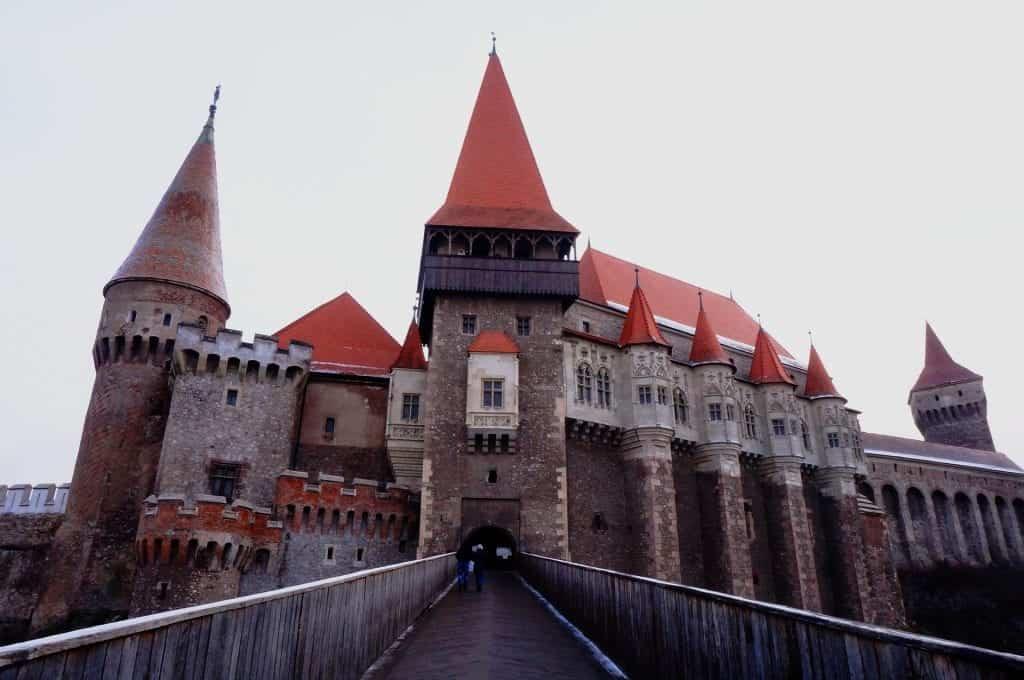 Romania - Corvin Castle - Pixabay