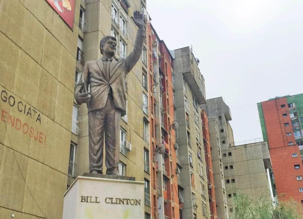 Kosovo - Pristina Prishtina - Bill Clinton statue