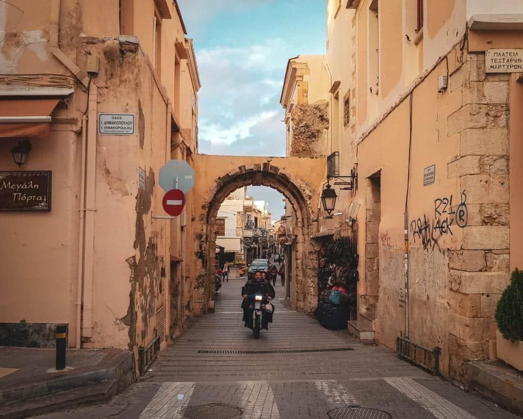 Crete - Rethymnon - Arch into Old City