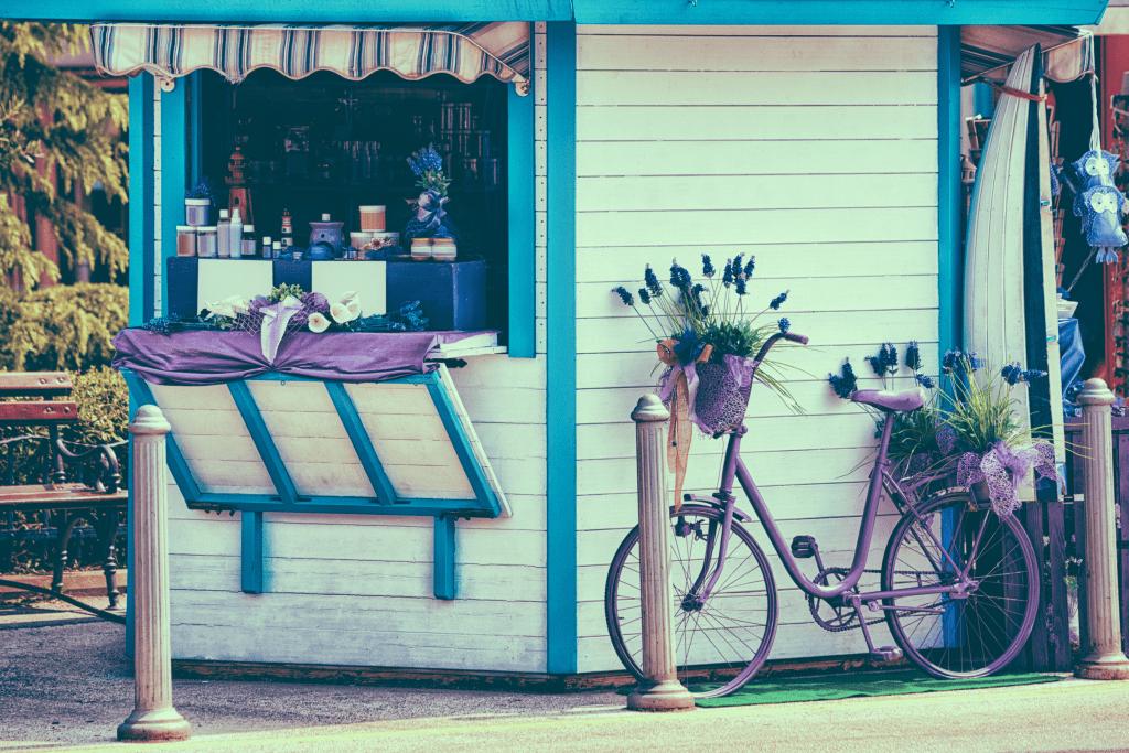 Slovenia - Izola - Lavender souvenir shop in the historic center of Izola old city - Pixabay