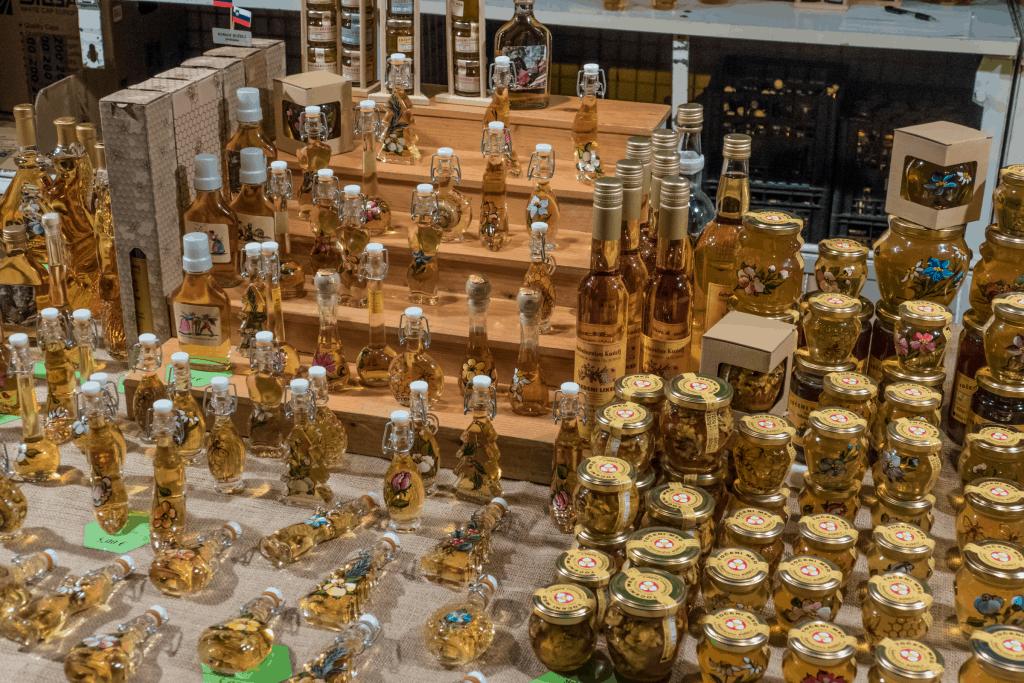 Slovenia - Market - Pixabay