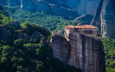 10 Things to Know Before a Meteora Tour for a Magical Trip
