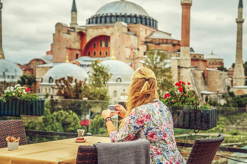 What to Wear in Istanbul in Each Season (Women's Packing List)