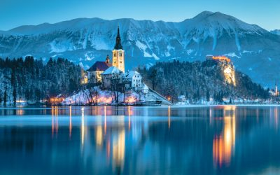 How to Visit the Lake Bled Christmas Market for a Cozy Lakeside Christmas