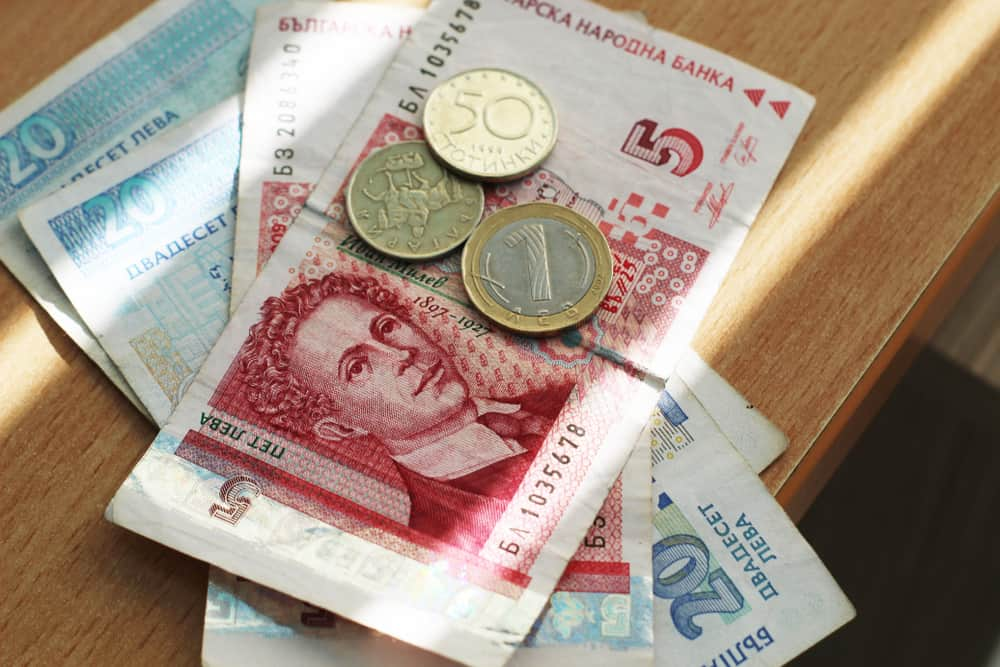 7 Things to Know About Tipping in Bulgaria for a Stress-Free Trip