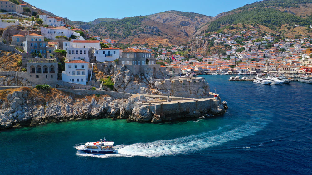 17 Sublime Things to Do in Hydra for a Glamorous Getaway