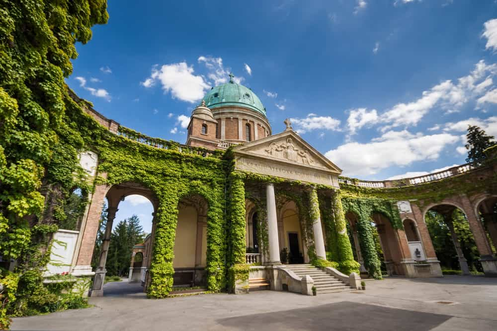 Entrance to Mirogoj cemetery with Church of King Christ, Zagreb